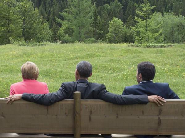 obama sentado elerarquía